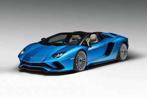 Lamborghini presenta el Aventador S Roadster