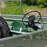 Se restaca un Land Rover Series 1