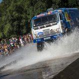 Andrey Karginov abriendo las aguas