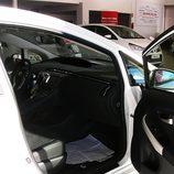 Toyota Prius: Acceso al interior, lado del pasajero