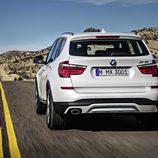 BMW X3: Trasera