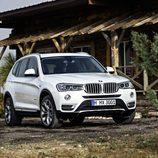 BMW X3: Frontal
