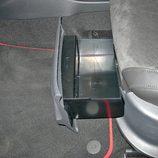 Volkswagen Polo GTI: Detalle bandeja bajo asiento (II)