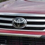 Llegó la Toyota Hilux Invinsible-5