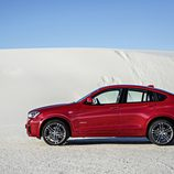 BMW X4: Lateral