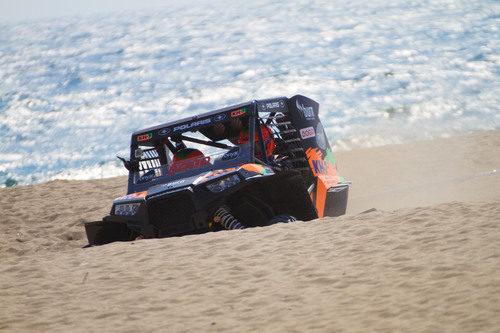 En las mini dunas de la playa de Barcelona