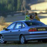 Renault Laguna I Fase II: Coche familiar
