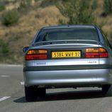 Renault Laguna I Fase II: Trasera