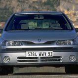 Renault Laguna I Fase II: Frontal