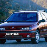 Renault Laguna I Fase II Break: 1/3 frontal