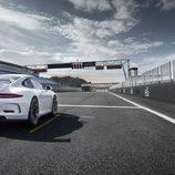 Porsche 911 GT3 (991) - carrrocería blanca en circuito