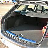 Seat León ST: Maletero modulable con doble fondo, visto desde el lateral