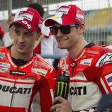 Andrea Dovizioso y Cal Cructhlow reunidos en Ducati