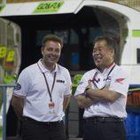 Emilio Alzamora y Shuhei Nakamoto intercambian impresiones