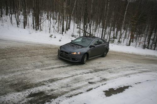 Mitsubishi Lancer Evolution MR Touring 2014 - en la nieve