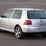 Volkswagen Golf mkIV trasera