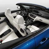 BMW M4 Convertible - interior blanco