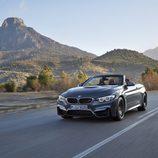 BMW M4 Convertible - panorámica carretera
