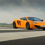 McLaren MP4-12C - posando