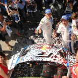 Sebastien Ogier celebrando su victoria