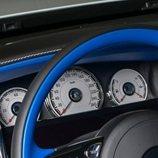 Rolls-Royce presentó el modelo Dawn Black tricromática