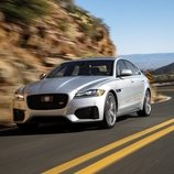 Jaguar presentó el XF 300 Sport 2019