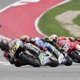 Bradl, Rossi y Dovizioso peleando en Austin