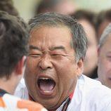 Nakamoto celebra con Márquez su victoria