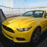 Ford Mustang 2015 en la terraza del Empire State - Bill Ford