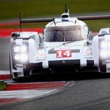 El Porsche #14 de Romain Dumas empieza con abandono