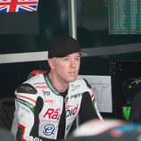 Broc Parkes en el box de Paul Bird Motorsport
