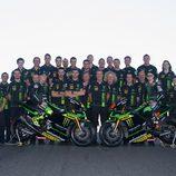 Foto de familia del Tech 3 en el GP de España