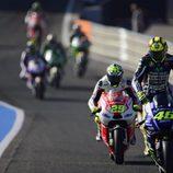 Los pilotos de MotoGP pisan el trazado de Jerez