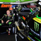 Bradley Smith a fondo en el test post-GP de Jerez