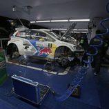 El Polo R WRC de Mikkelsen en la asistencia