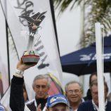 Jari-Matti Latvala con el trofeo del Rally Argentina