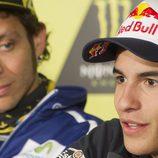 La mirada de Valentino Rossi a Marc Márquez