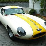 Jaguar E-Type Lightweight - racing stripes
