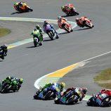 Caótica salida de MotoGP en Le Mans