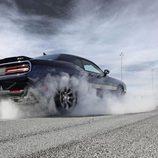 Dodge Challenger SRT - acelerando