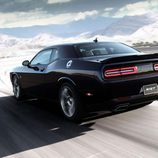 Dodge Challenger SRT - trasera