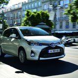 Toyota Yaris 2014 - Frontal versión híbrida