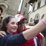 Los jóvenes muy cariñosos con Michele Pirro