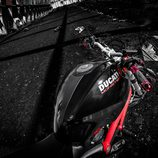 Ducati Monster 796 - toma superior