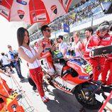 Cal Crutchlow en la parrilla de MotoGP en Mugello