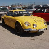 Alpine A-110 amarillo