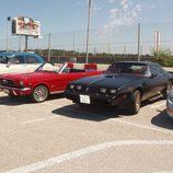 Ford Mustang cabrio y Pontiac Firebird