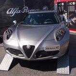 Alfa Romeo 4C frontal