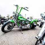 Harley Davidson Cross Bones modificada