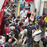 Fans y prensa acosan a Marc Márquez en Barcelona